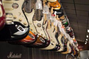 【初心者向け】1本目のギター・ベースの選び方とポイント